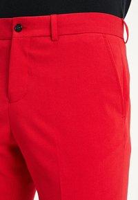 Lindbergh - Kostym - red - 8