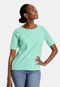 Gerry Weber - Print T-shirt - green - 0