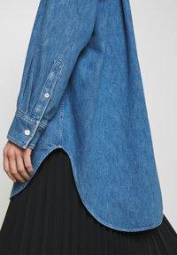 ARKET - SHIRT - Skjorta - mid blue wash - 6