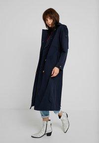 Fashion Union - ALBERT - Trenchcoat - navy - 0