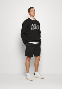GAP - ARCH CREW - Sweatshirts - black - 1