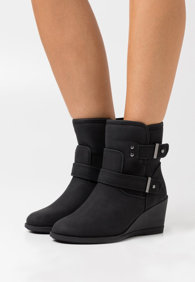 Simply Be - WIDE FIT PANSY - Wedge Ankle Boots - black