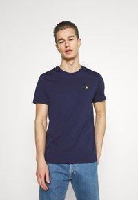 Lyle & Scott - PLAIN - Basic T-shirt - navy - 0