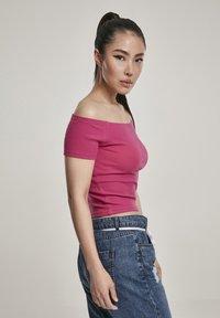 Urban Classics - Print T-shirt - redwine - 4
