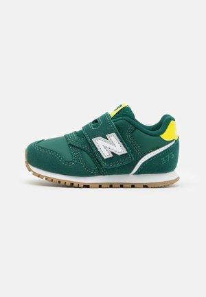 IZ373WG2 - Sneakersy niskie - nightwatch green