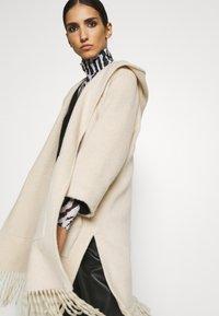 RIANI - Classic coat - marble - 3