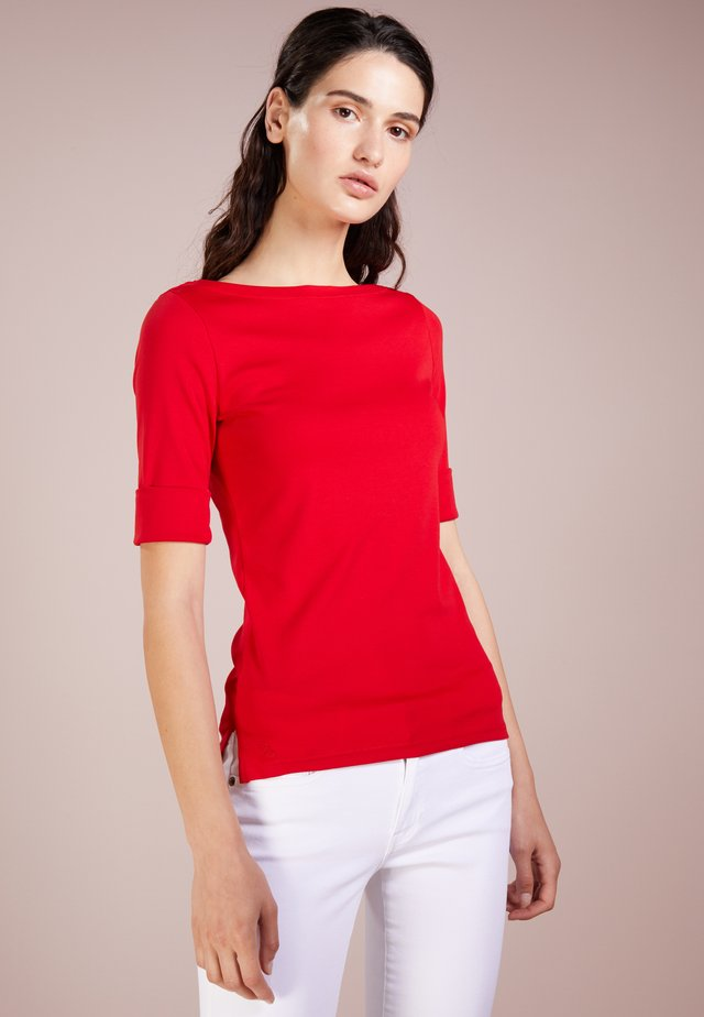T-shirt basic - lipstick red