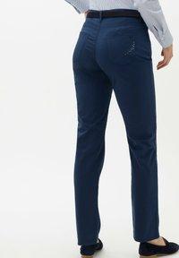 BRAX - STYLE MARY - Pantalon classique - indigo - 2