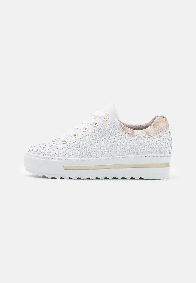 Sneakers laag - weiß/beige/gold