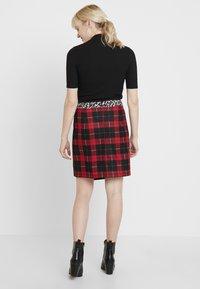 Taifun - Mini skirts  - lipstick red - 2