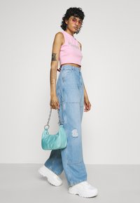 BDG Urban Outfitters - JUNO CARPENTER - Jeans relaxed fit - summer bleach - 3
