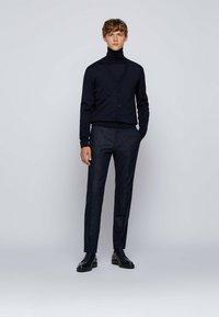 BOSS - Pantaloni eleganti - dark blue - 1