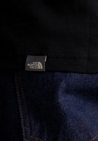 The North Face - SHOULDER LOGO TEE - Print T-shirt - black/white - 5
