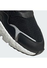 adidas Originals - NITE JOGGER BOOST SPORTS INSPIRED SHOES - Trainers - cblack/cblack/ftwwht - 8