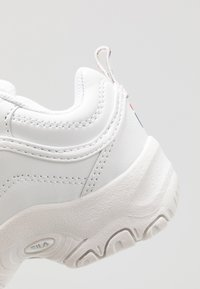 Fila - STRADA LOW KIDS - Matalavartiset tennarit - white - 2