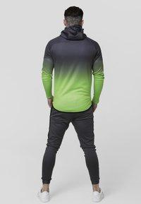 SIKSILK - RAGLAN ATHLETE FADE TAPED HOODIE - Chaqueta de entrenamiento - grey/neon green - 2