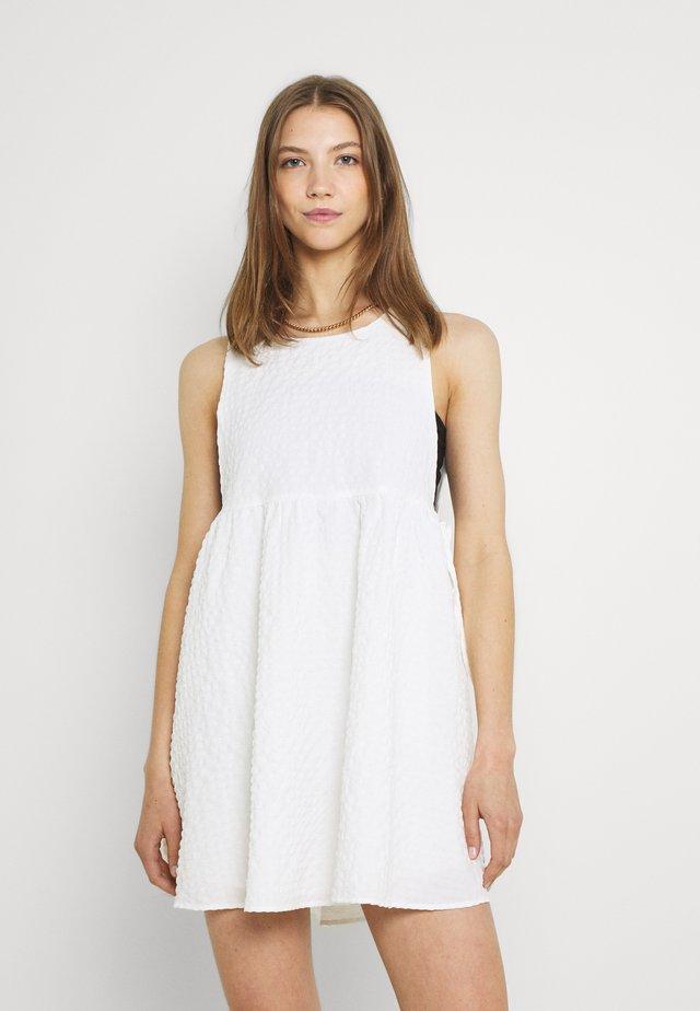 VEZZANA DRESS - Korte jurk - white