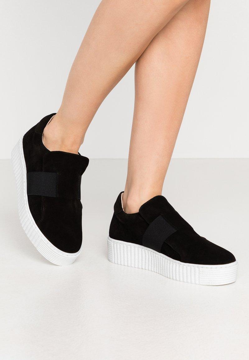 Zign - Slip-ons - black