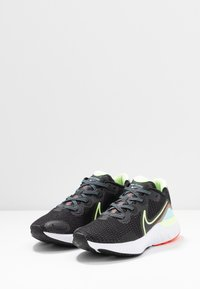 Nike Performance - RENEW RUN - Obuwie do biegania treningowe - black/barely volt/glacier ice - 2