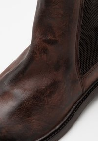 Hudson London - HOFFMAN - Classic ankle boots - brown - 5