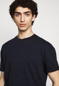 DRYKORN - THILO - Basic T-shirt - blau - 3