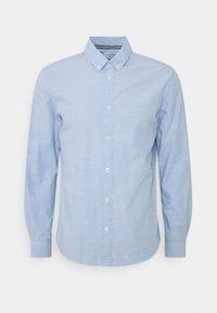 TOM TAILOR - REGULAR SMART SLUB - Shirt - light blue chambray - 6