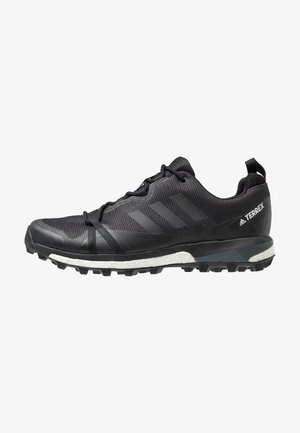 TERREX SKYCHASER LT GTX - Trail running shoes - carbon/core black/grey four