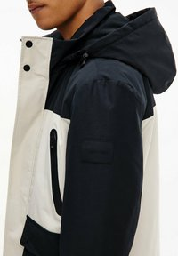Calvin Klein - TECHNICAL - Light jacket - bleached stone - 2