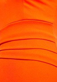 WAL G. - V NECK PLEAT DETAIL MIDI DRESS - Shift dress - orange - 2
