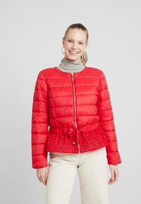 Cream - ADELLA QUILTED JACKET - Lehká bunda - red velvet - 0