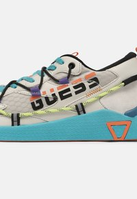 Guess - MODENA ACTIVE - Trainers - white/multi - 4