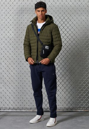 CHESTBAND  - T-shirt med print - optic