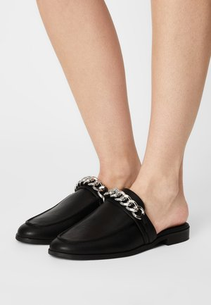 CHUNKY CHAIN LOAFER - Mules - black