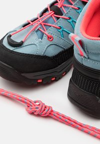 CMP - KIDS RIGEL MID TREKKING SHOE WP UNISEX - Hiking shoes - clorophilla/red fluo - 5