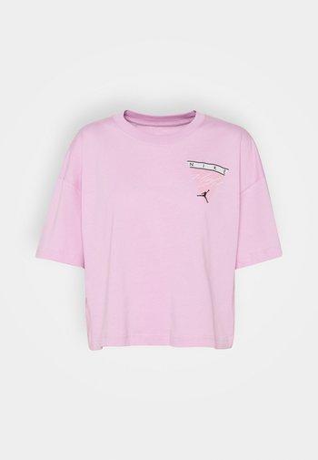 ESSEN TEE - Print T-shirt - arctic pink