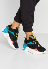 Reebok Classic - AZTREK DOUBLE POPS LIGHT CUSHION SHOES - Tenisky - black/alloy/teal - 0