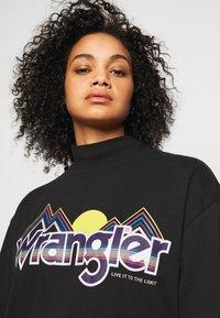 Wrangler Plus - HIGH NECK DRESS - Korte jurk - faded black - 4