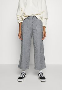 Vans - BARRECKS PANT - Trousers - light blue - 0