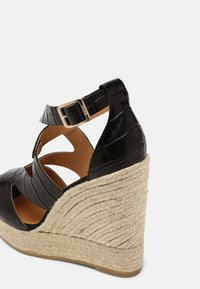 Kanna - SOFIA - Platform sandals - schwarz - 5