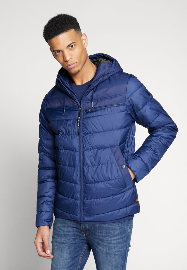 ATTACC QUILTED JACKET - Jas - imperial blue