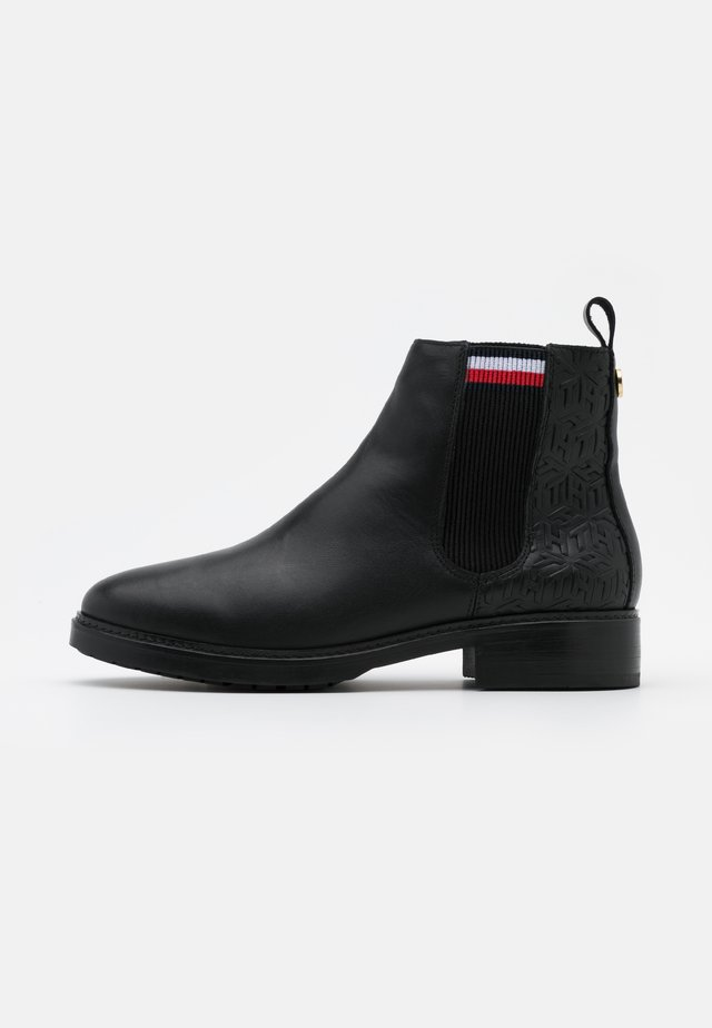 CLASSIC WARMLINED - Ankle boot - black