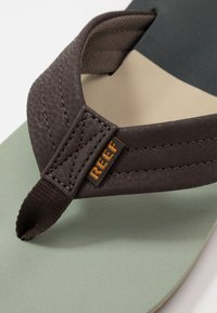 Reef - TRI WATERS - Sandály s odděleným palcem - grey/green - 5