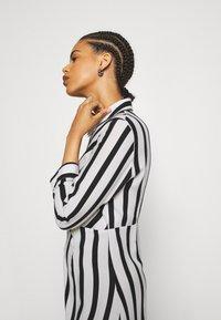 YAS - YASSAVANNA  - Shirt dress - black/white - 3