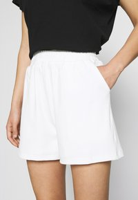 4th & Reckless - CORA - Shorts - white - 4