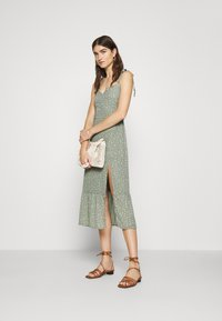 Abercrombie & Fitch - TIE SHOULDER DRESS  - Day dress - green - 1