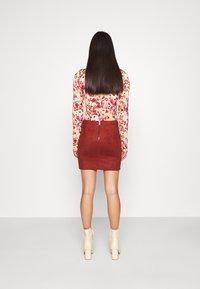 ONLY - ONLJULIE BONDED SKIRT - Mini skirt - fired brick - 2
