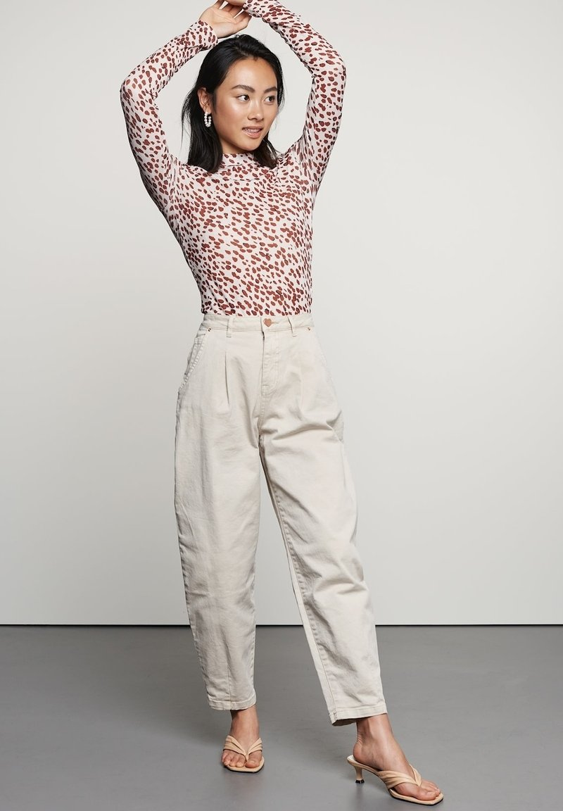 Catwalk Junkie - Trousers - white sand