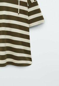 Massimo Dutti - Print T-shirt - khaki - 3