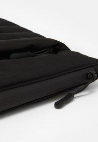 "TYPO - UTILITY 13"" LAPTOP CASE UNISEX - Taška na laptop - black/grey - 3"