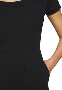 WAL G PETITE - BARDOT - Jumpsuit - black - 5